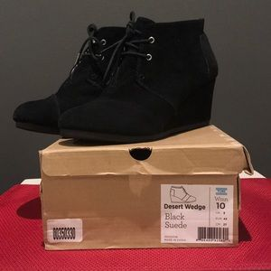 Toms black desert wedge